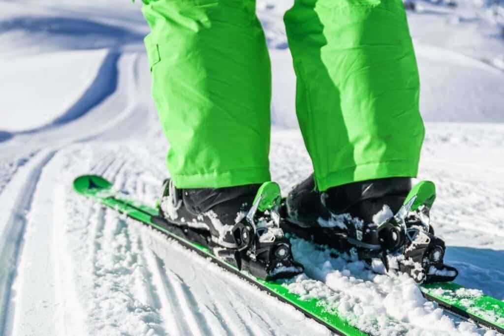 closeup of ski bindings from behind